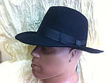 Чоловічий капелюх з фетру зі стрічкою кольору під замовлення, фото 3