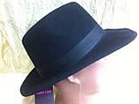 Чоловічий капелюх з фетру зі стрічкою кольору під замовлення, фото 4