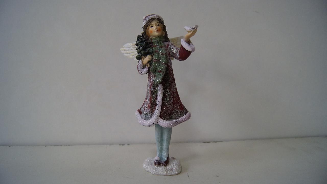 Фігурка дівчинки