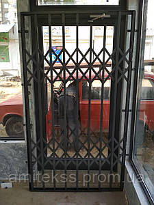 Раздвижная решётка на дверь