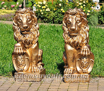 Садовая фигура Львы со щитами