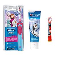 Детская  зубная щетка Oral-B D12. 513 Stages Power (фрозен) 2 насадки + зубная паста Crest