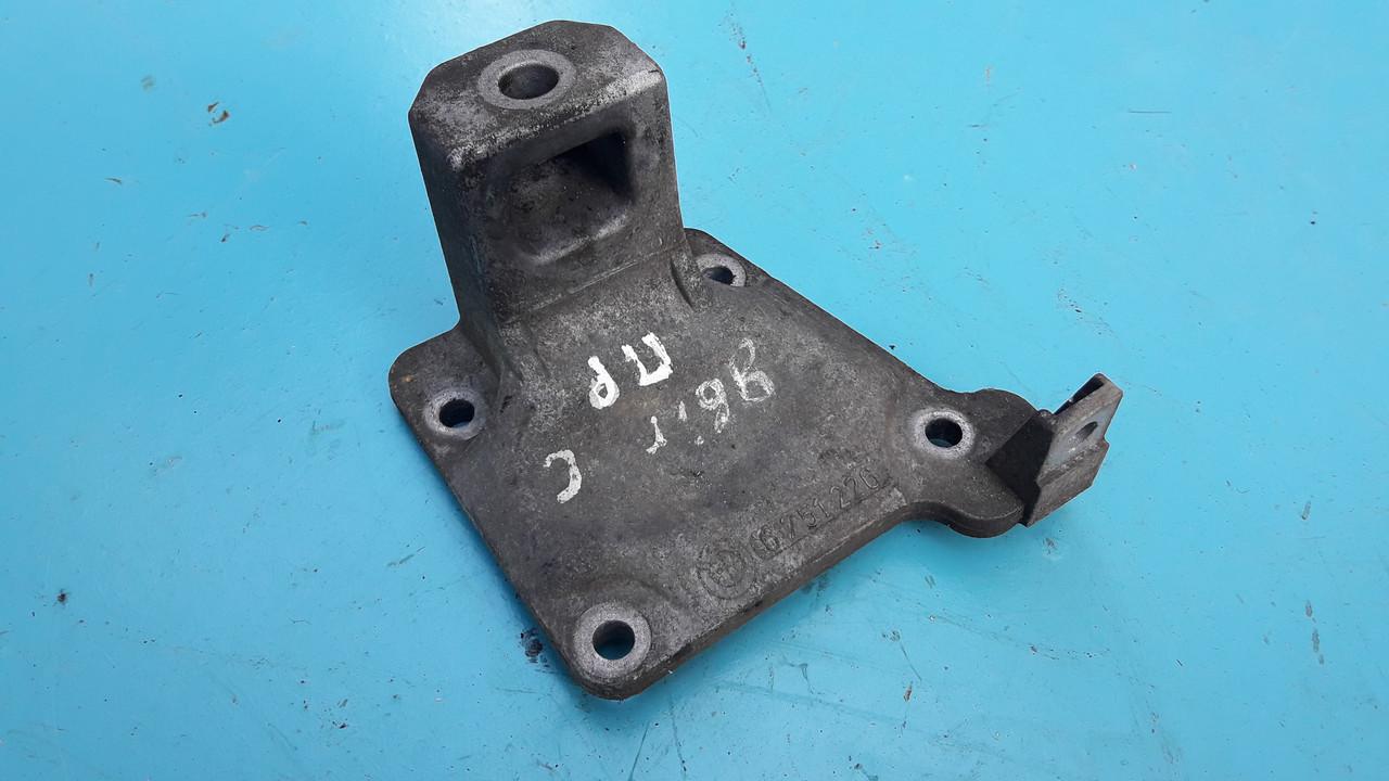 Кронштейн двигателя правый бмв е39 м57 bmw e39  m57 22116751226 6751226