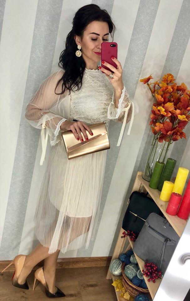 Праздничное платье из сатина на подкладке с микромасла. Размер: 42-44. (093)