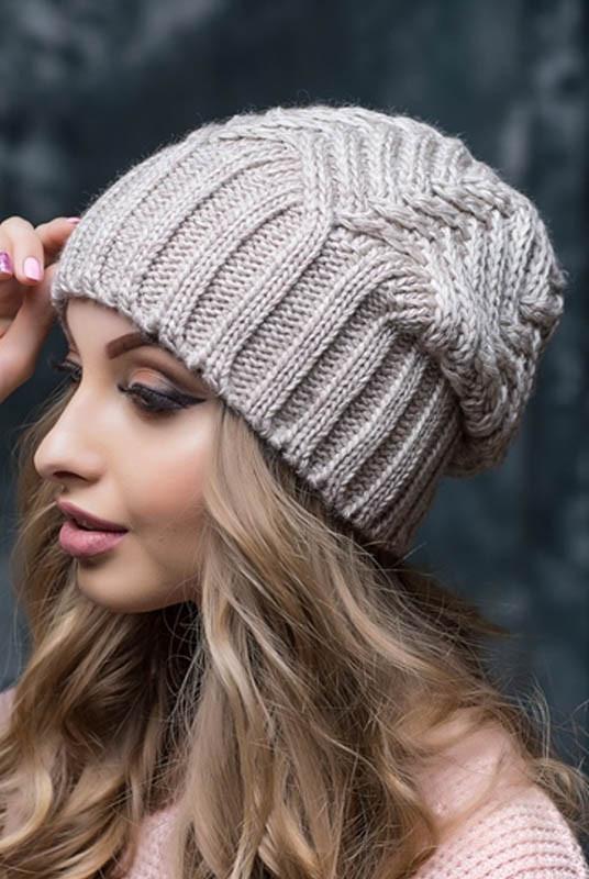 Бежевая теплая шапка Марта