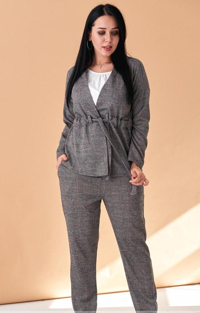316a430605a Женский трикотажный брючный костюм с жакетом серого цвета. Модель 19970.  Размеры 50-56