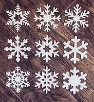 Снежинки из пластика