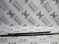 Молдинг двери под стекло Infiniti QX56, фото 1