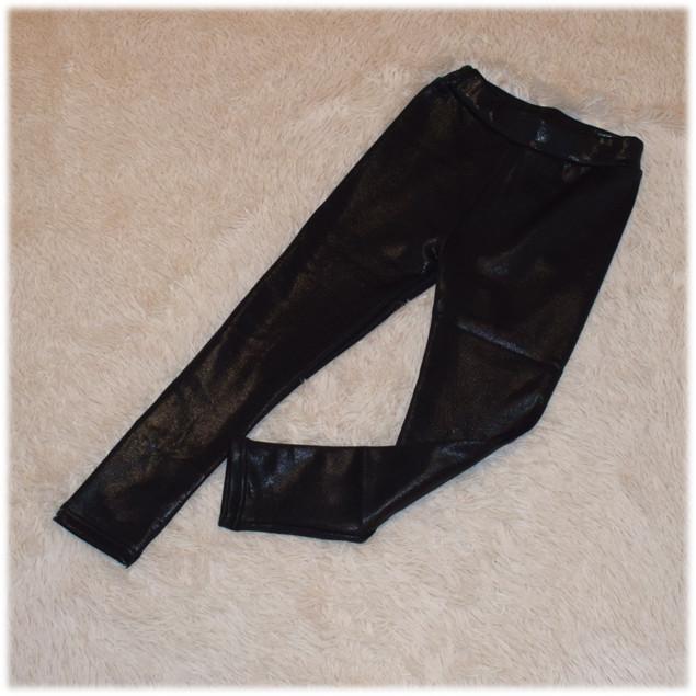 Лосины на девочку кожаные теплые на травке черного цвета Турция размер  134 158 164