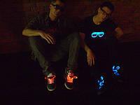 Яркий и оригинальный подарок к Новому году - Светящиеся шнурки Ultralight 1-го поколения