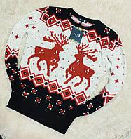 Мужской теплый свитер белый с красными оленями