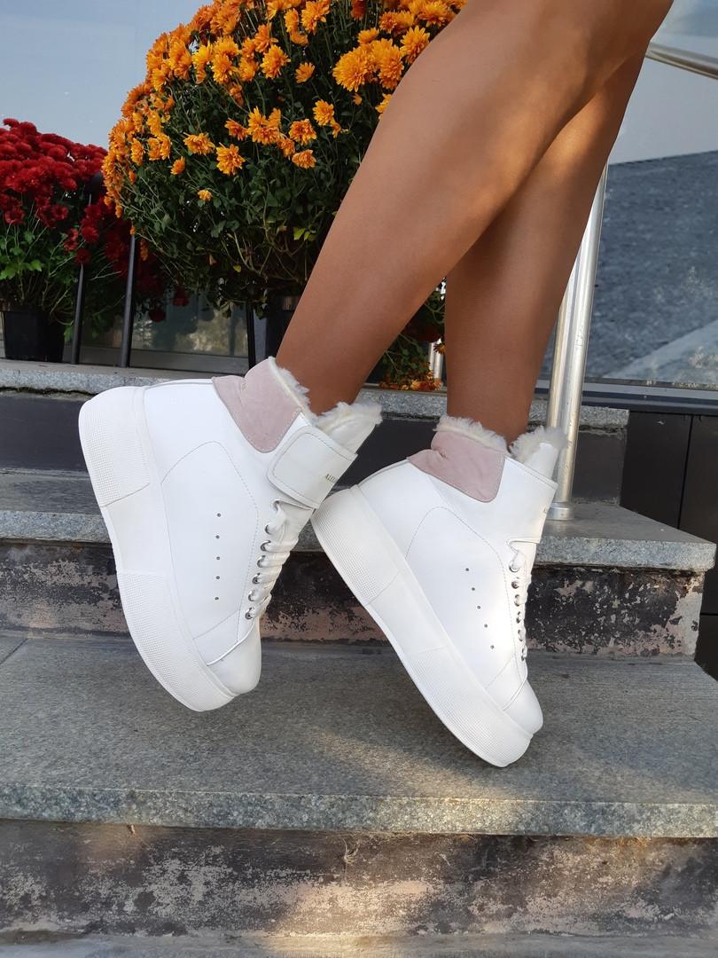 Женские высокие кроссовки в белом цвете на зиму (натуральная кожа)