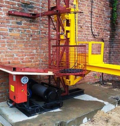 Высота подъёма Н-100 метров.Строительный подъемник мачтовый секционный с выкатной платформой ПМГ г/п 500 кг ., фото 2