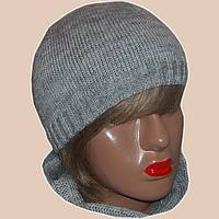 Женская вязаная шапка со стразами серебристо-серого цвета