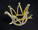 Корона в камнях на заколке уточке золотистая, фото 2