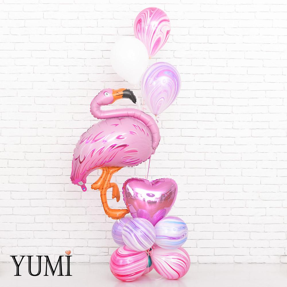 Нежная композиция из воздушных шариков с фламинго для девушки