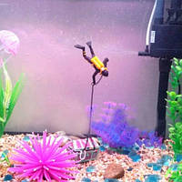 """""""Водолаз"""" декор в аквариум - цвет желтый + черный, пластик"""