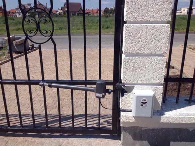 Итальянская автоматика для распашных ворот