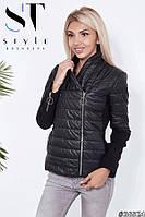 Черная стильная короткая стеганная женская куртка из плащевки со вставками кашемира на рукавах. Арт-9420/6, фото 1