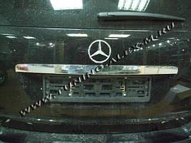 Накладка над номером (нерж.) - Mercedes ML klass W164