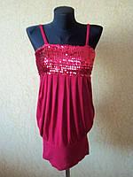 Вечернее женское платье - туника красного цвета с паетками
