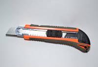 Нож обойный 18мм с автоматическим фиксатором