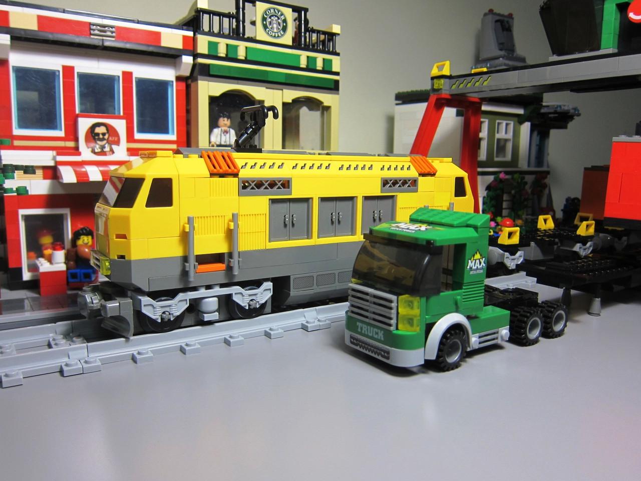 Конструктор Ausini 25004 Железная дорога Поезд погрузочная станция 792 деталь