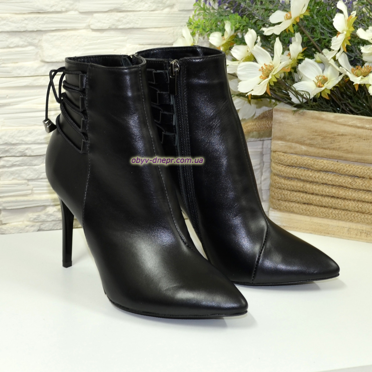 Ботинки кожаные женские зимние на шпильке