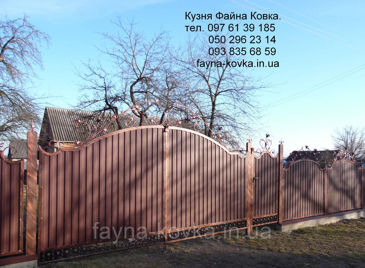 Ворота с калиткою закрытые профнастилом 6590