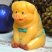 """Новогоднее сувенирное мыло ручной работы """"Свинка на пляже"""""""