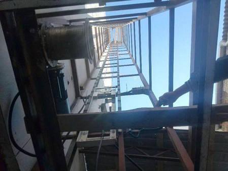 Сервисный пищевой лифт. Установка снаружи здания.  Лифты сервисные под заказ., фото 2