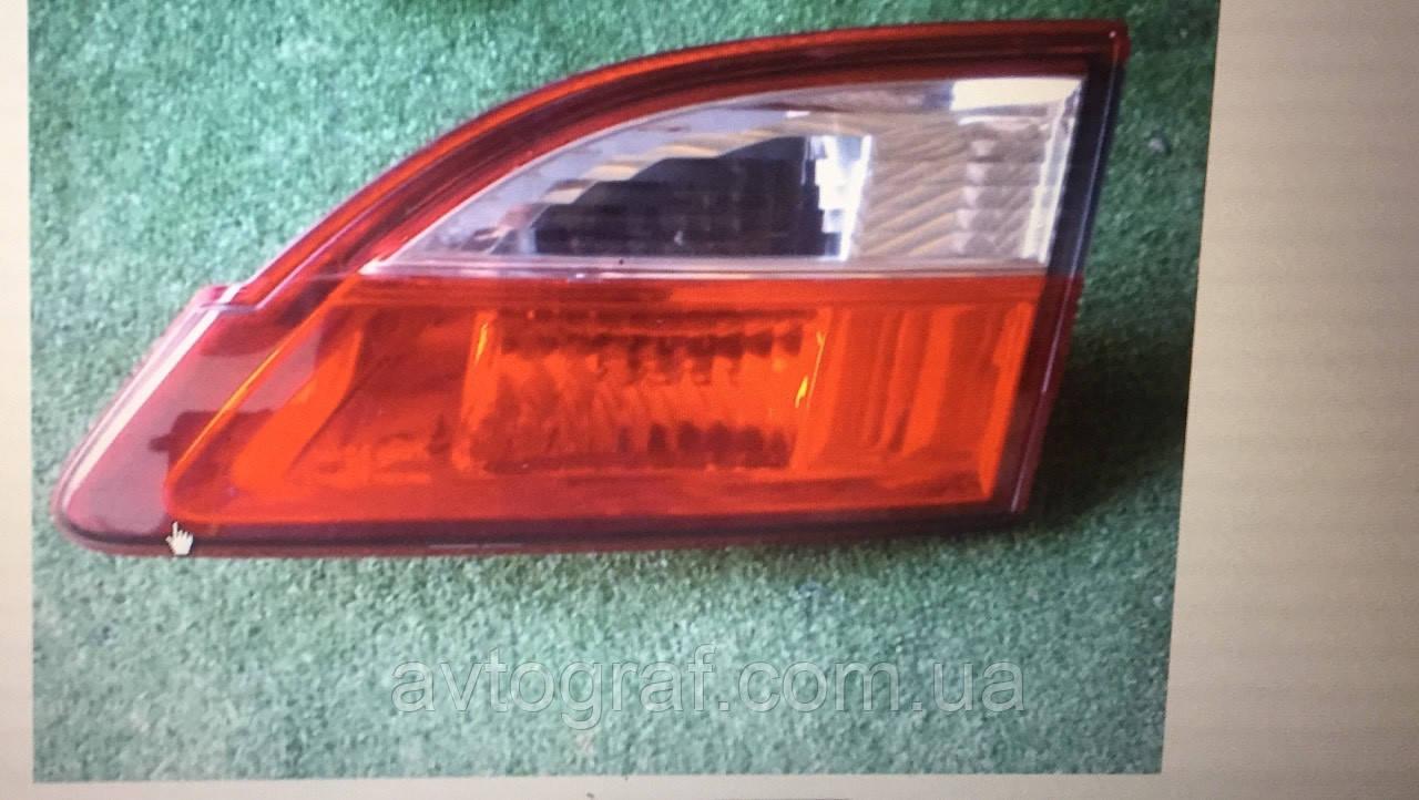 Фонарь задний левый и правый на Mazda 5 (Мазда 5)  2011-2013
