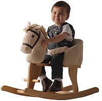 Какой малыш не мечтает мчаться вдаль на боевом коне или сказочном единороге?