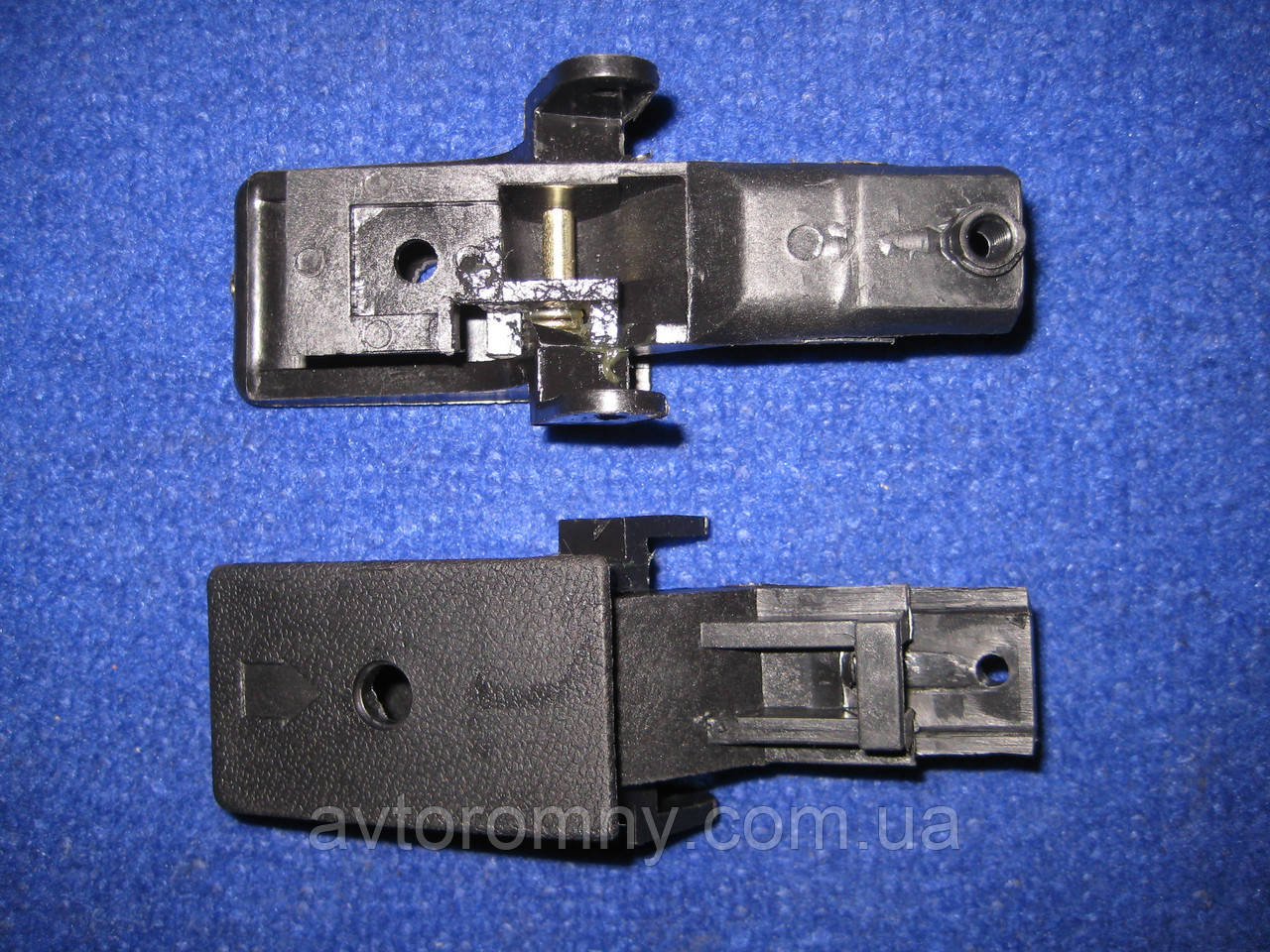 Ручка внутренняя крючек открывания двери Таврия ЗАЗ 1102
