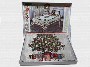 Скатертина Ялинка у валізці Home Plus (150x220cm.) New Year