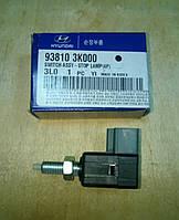 Датчик включения стоп-сигнала HYUNDAI Accent, Matrix, Elantra, Tucson, Sonata, Getz, H-1, H100 93810-3K000