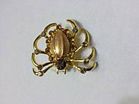 Декоративный паучок булавка золотой в стразах