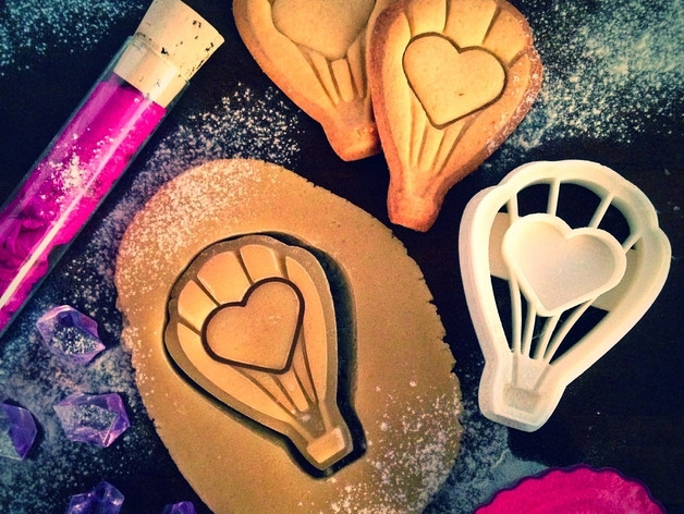 Вырубка для печенья воздушный шар с сердцем от OogiMe