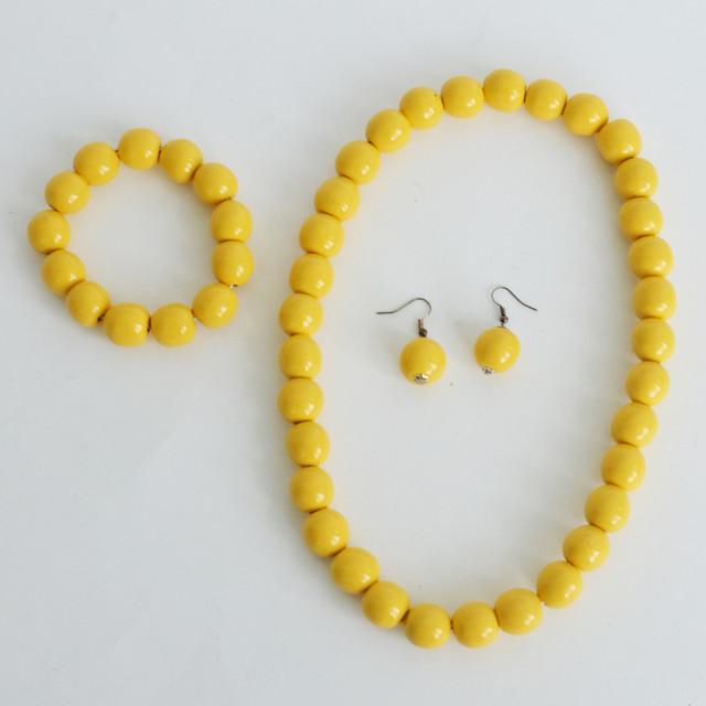 украшение в украинском стиле желтое