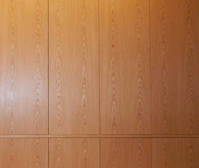 Подбор структуры шпона на всей мебели в спальне