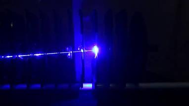 Лазерная указка мощный синий сверх-яркий подпаливает бумагу YX-B008, купить синий лазер., фото 3