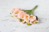 Декоративные цветы каллы мини 12 шт.  розово-персикового цвета на стебле, фото 1