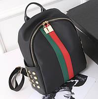 Женский рюкзак с красно-зеленой полоской черный