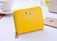 Женский мини кошелек на молнии Желтого цвета в сумочку