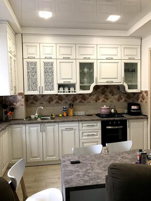 Кухня классическая белая