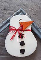 Снеговик - деревянная подвеска на дверь, 29х22 см, ручная работа, Украина новогодний декор