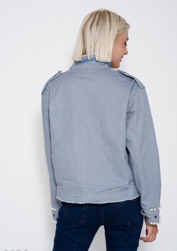 97fba6a401ee Серая укороченная джинсовая куртка с бахромой, молнией на воротнике и  инкрустацией жемчужинами (есть размеры