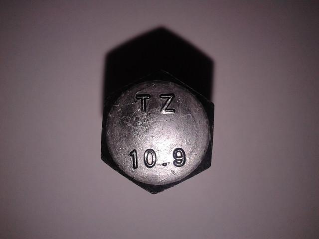 Болты с шестигранной головой 10.9
