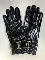 Женские кожаные перчатки в стиле Versace лак черные