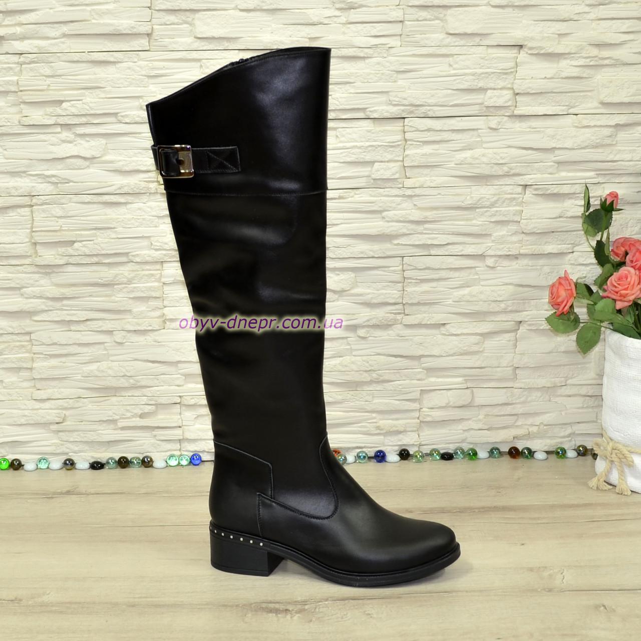 Ботфорты кожаные женские демисезонные на каблуке, черного цвета. 40 размер